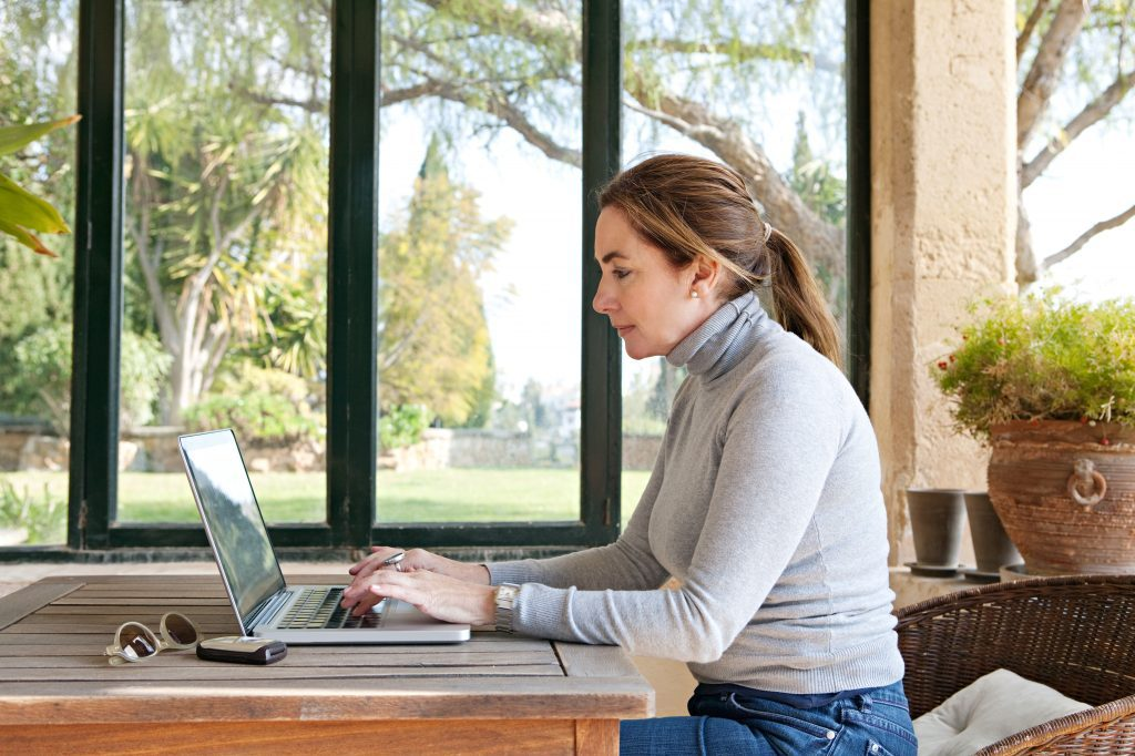 Fancy an e-change? How people are escaping city congestion and living costs by working remotely
