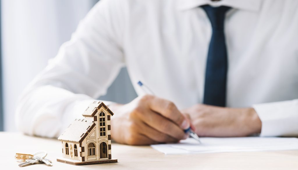 What are buyer's agents?